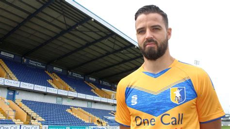 Stags sign versatile wingman - News - Mansfield Town