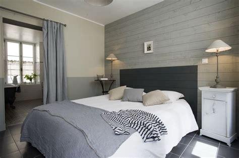 bardage bois chambre idées relooking intérieur peinture sur meuble recup