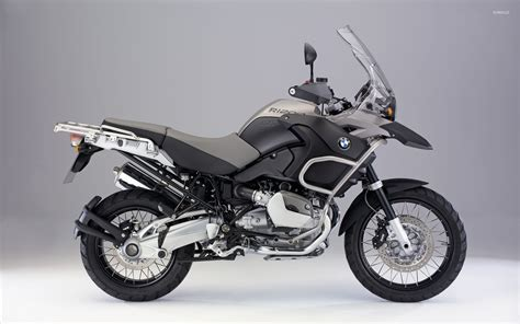 Side View Of A Bmw R1200gs Wallpaper