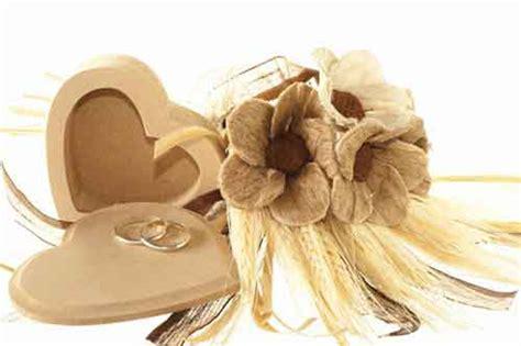 Hochzeitstag und sind davon ausgegangen das wir rosenhochzeit feiern. Hölzerne Hochzeit • 5. Hochzeitstag » Geschenke, Sprüche ...