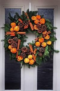 Weihnachtskranz Für Tür : begr t den advent mit einem kranz an der t r weihnachtskranz basteln ~ Markanthonyermac.com Haus und Dekorationen