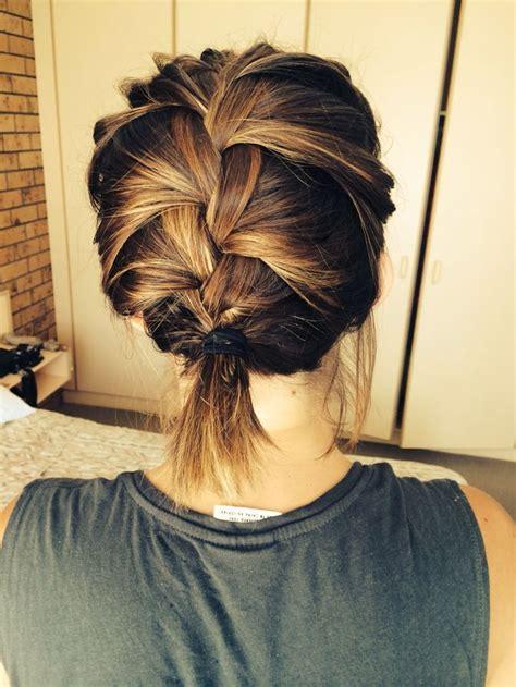 trendy frisuren fuer frauen mit schulterlangem haar