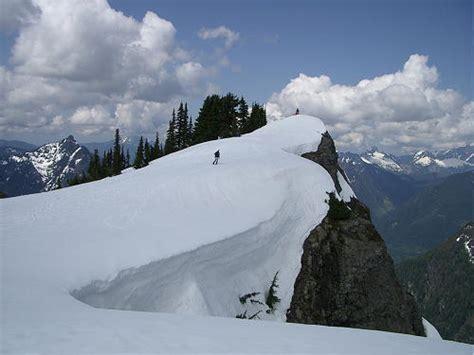 winter hiking snowshoeing