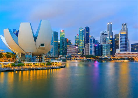Singapore wants to expand by building giant rafts