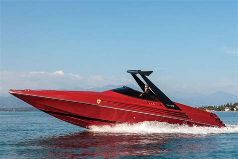 Lexus sport yacht concept brings luxury car design to the watercraft. Gave speedboot: 1990 Riva Ferrari 32