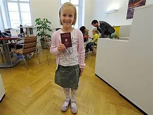 Personalausweis Kind Beantragen Einverständniserklärung : sommer bringt ansturm auf pass mter wien ~ Themetempest.com Abrechnung