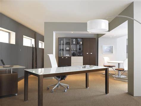 bureau professionnel design avec plateau laque blanc