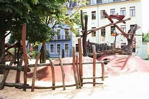 Größe Kinderspielplatz Mehrfamilienhaus : spielplatz b hmische stra e 26 28 dresden ~ Lizthompson.info Haus und Dekorationen