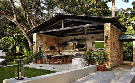 17+ Breathtaking Outdoor Kitchen Layout Design