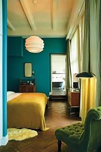 Petrol Wandfarbe Schlafzimmer : wandfarbe petrol 56 ideen f r mehr farbe im interieur interieur armarios habitacion ~ Buech-reservation.com Haus und Dekorationen
