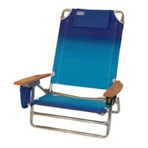 plastic tri fold lawn chairs 1000 images about folding chair on