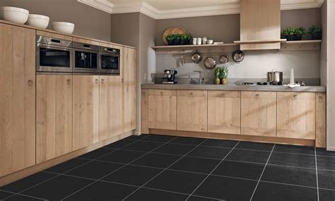 implantation cuisine en l cuisine équipée bois moderne le bois chez vous