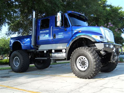 video de monster truck video de groază monster truck rade mai mulți spectatori