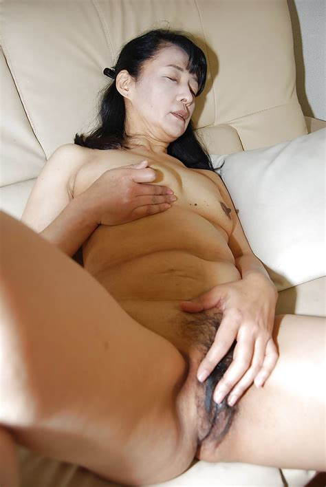 Close Up Masturbating Scene Features mature asian Kiyoe Majima
