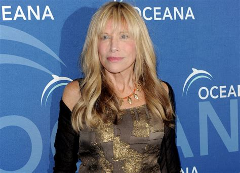 """Carly Simon Reveals Warren Beatty Is One Of Three """"You're So Vain"""" Men   uInterview"""
