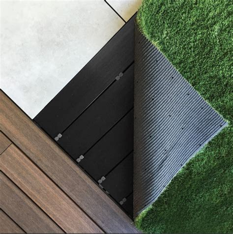 Outdure Introduces Turf For The Qwickbuild Deck System By