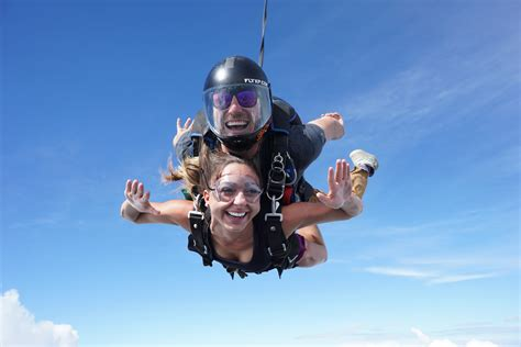 Parachute Dive by Tandem Skydiving Raleigh Nc Skydive Paraclete Xp