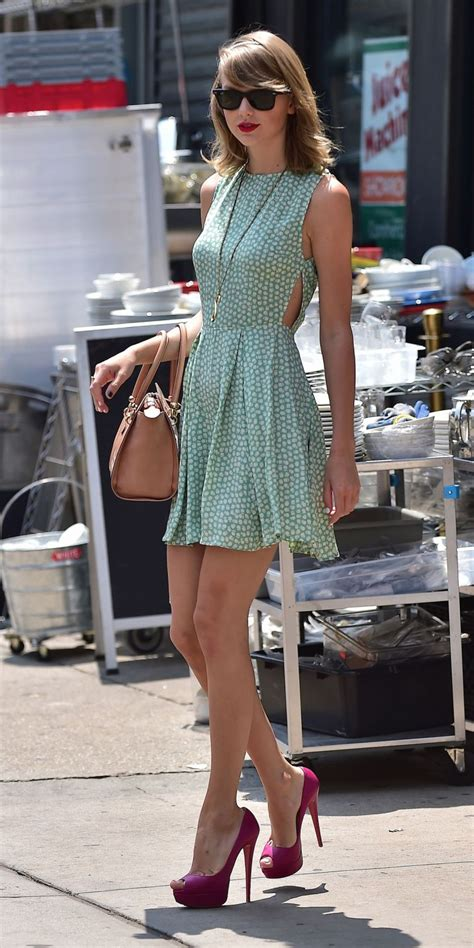 Taylor Swift's Most Epic Fashion Moments 07 • DressFitMe