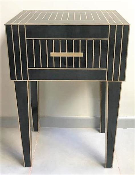 Black Mirrored Nightstand by New Pair Of Mirrored Nightstands In Black Mirror And