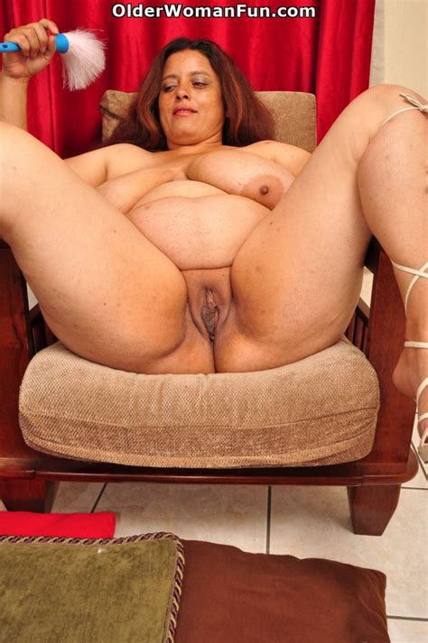 44 Year Old Bbw Milf Rosaly Loves Cleaning Up Photo Album