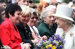 The Smiths singer Morrissey likens Queen Elizabeth to ...