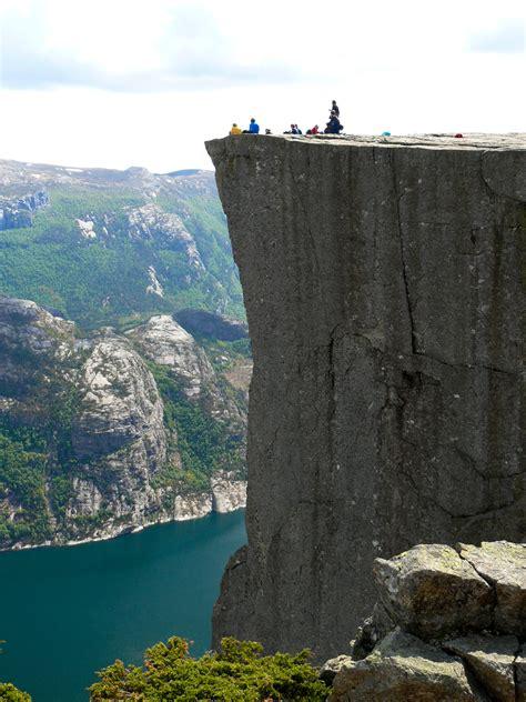 Are Marketing Cliffs As Dangerous As Fiscal Cliffs? The