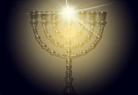 when do you light the menorah 2016 the menorah what should it mean to you hoshana rabbah