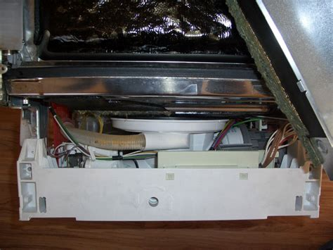 waschbecken läuft nicht ab geschirrsp 252 ler wasser l 228 uft nicht ab whirlpool geschirrsp ler pumpt nicht vollst ndig ab bosch