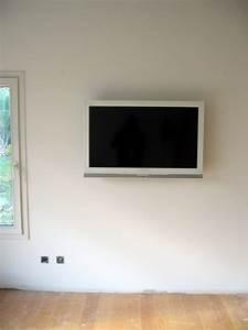 Meuble Tv Accroché Au Mur : tele accrocher au mur mur foyer t l vision recherche google meuble t l pinterest foyers ~ Melissatoandfro.com Idées de Décoration