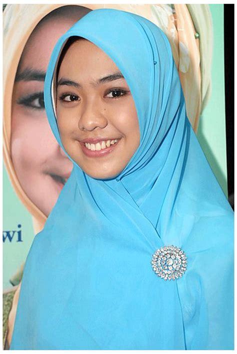 Oki Setiana Dewi Tanpa Jilbab Foto Bugil Bokep 2017