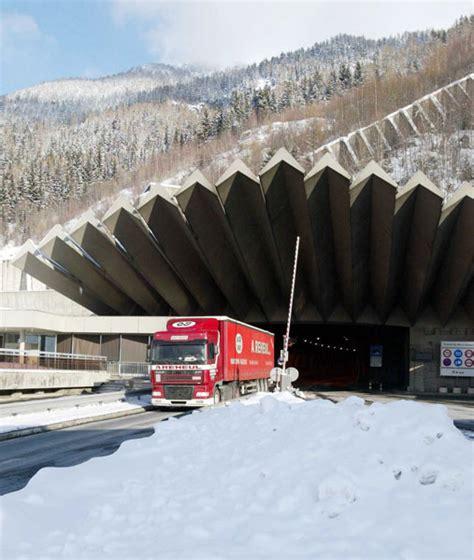 trafic tunnel du mont blanc trafic tunnel mont blanc 28 images trafic tunnel mont blanc italie trafic tunnel mont blanc