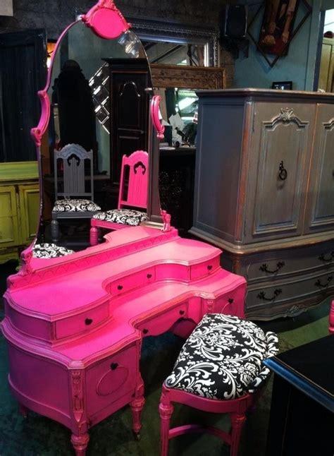 my pink vanity pin by ashlie motte on furniture ideas