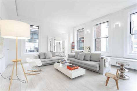 Farbgestaltung Wohnzimmer Weiße Wände Hellgraue Sofas