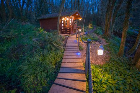 Cottages With Jacuzzi Or Hot Tub