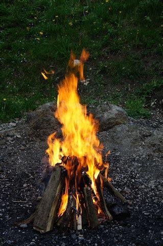 lagerfeuer mit kindern aber sicher kinderoutdoor