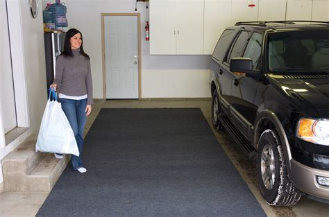 Diy Garage Floor Containment Mats by Garage Mats Neiltortorella