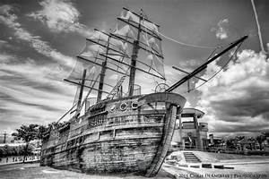 Araha Pirate Ship B&W | Black & White - Zwart/Wit ...