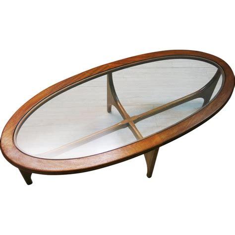 table basse ovale bois table basse stonehill anglaise ovale en bois de teck et verre 1960 design market