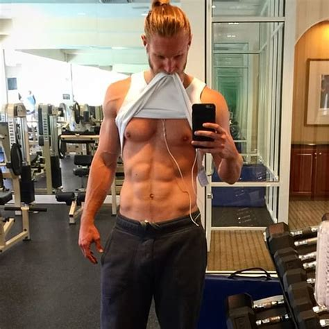 Gym Selfie The Hottest Man Selfies Of Are So Sexy It S A Danger To Your Health