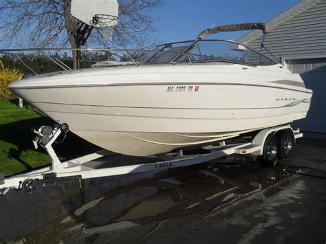 1999 Maxum Boat by 1999 Maxum 23 Sc Maxum 23 Sc Powerboat For Sale In Michigan
