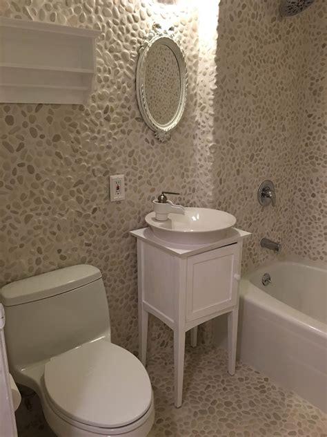 bathroom pebble tiles  create   surface phillipakiripateacom