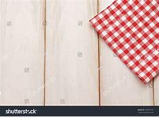 Royaltyfree Plaid cloth on picnic tablePicnic
