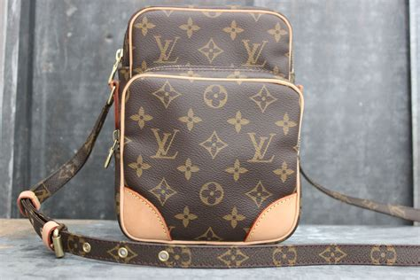louis vuitton amazone monogram canvas crossbody bag