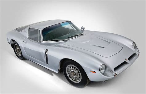 The primary difference between the 462 sohc type 46 constructed and the 65 type 50s built was the use of the dohc. Bizzarrini 5300 GT Strada   Ferrari, Strada, Auto