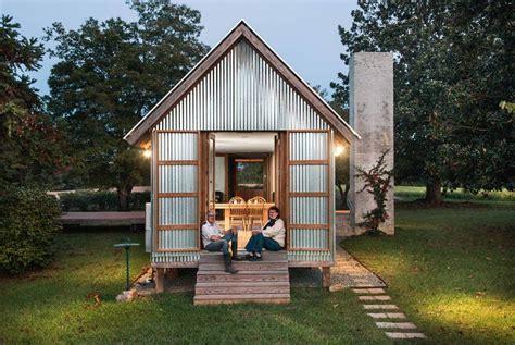 tiny wrinkly tin house stuffconz