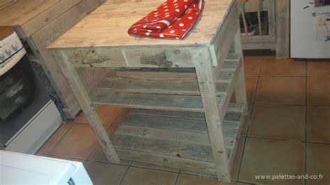 meuble bois cuisine comment fabriquer un îlot central de cuisine en palettes