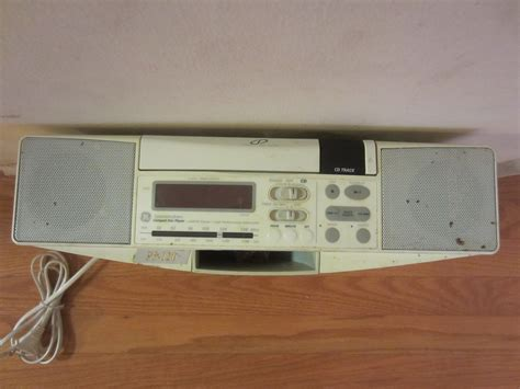 under cabinet radio cd player with light ge spacemaker 7 4290g under cabinet cd player am fm radio
