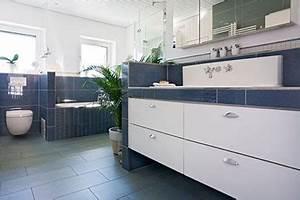 Boden Für Badezimmer : badezimmer sanieren eichenhaus schreinerei architekturb ro ~ Markanthonyermac.com Haus und Dekorationen
