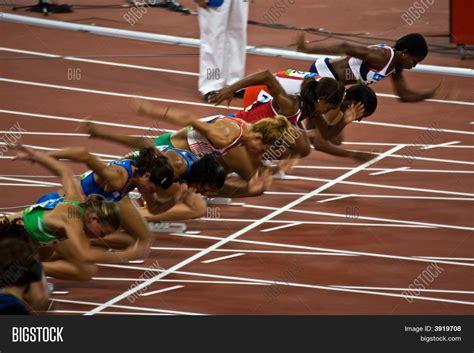 Sprint Image by Start Womens 100m Sprint Image Photo Bigstock