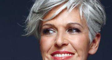 trendy medium hairstyles  women   ages